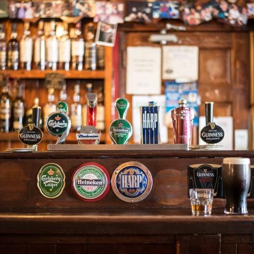 Pub-Crawl-bar-tour