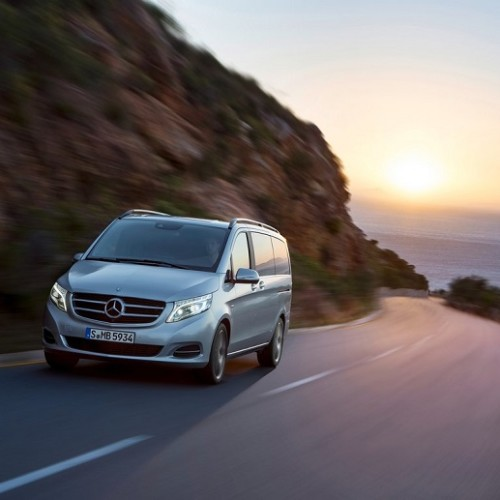 mercedes-benz-v-class-van-antropoti-minivan-stag-transfers