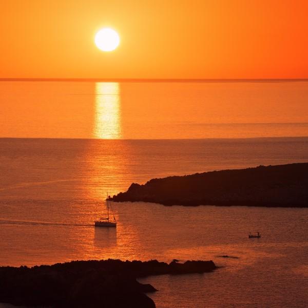 sunset-sailing-croatia